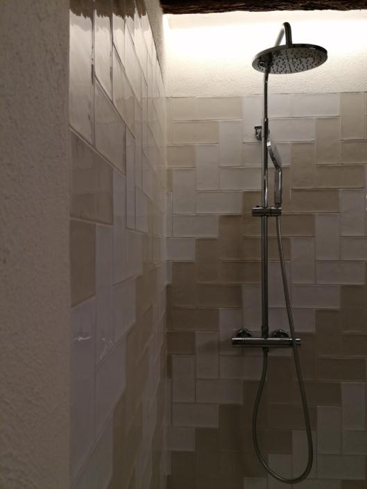 dutxa decorativa rajola espiga