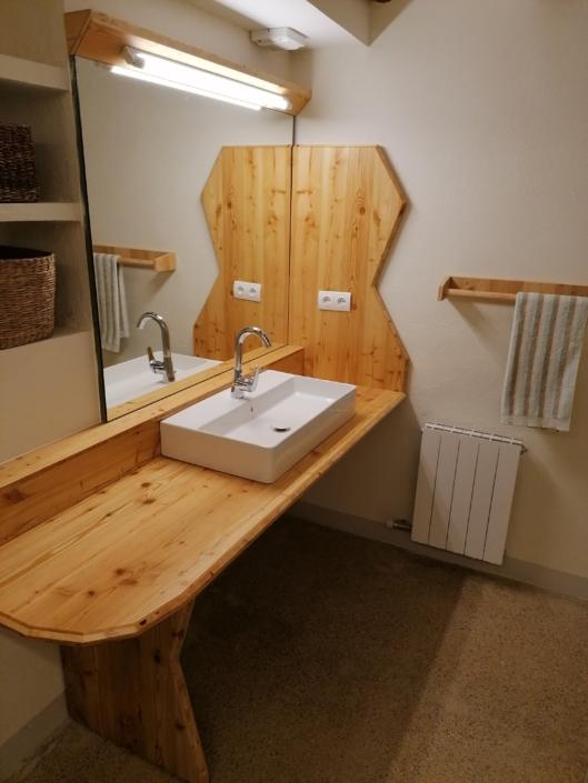 Taulell lavabo de fusta